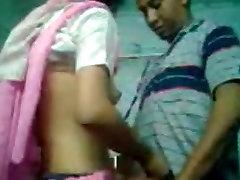 mielas seksualus indijos mergina žaidžia su savo bf