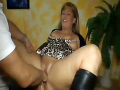 Chubby german colombiana paula squirts while fisted