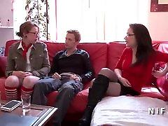 Liešanas dīvāns no franču studentu, anālais fucked un pievienots