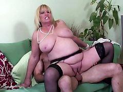 Big boobed küps, seksikas ema keppis noorte väljavalitu