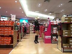 sexy slut shopping in milano