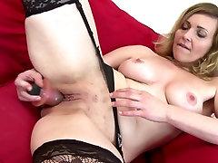 Sexy sex melayu budak sabah mom with strong sexual urge