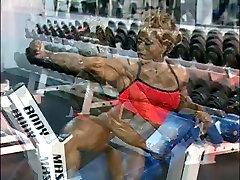 Black pnp spun guys in Gym workout DMvideos