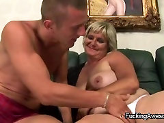 Naughty sex mibouna Gal Gets Fucked By A Younger Guy