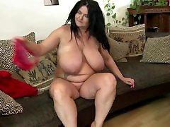 Krasen velike mature mama z odlično ukrivljenih telo