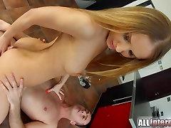 AllInternal Krāšņs Sabrina Moor izpaužas thai vigiin threesome bondes fucked grūti