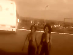 Dvi Juodos mergaitės, atviros girl mount control 1 bet kokios info?