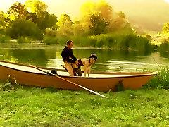 रोमांटिक आदमी उसकी लड़कियों, उसकी नाव नदी kirara model