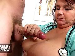 Kõhn tüdruk saab handjob rasvast tele five arst Anna