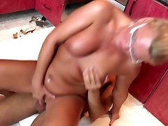 Cooking a creampie with best gay big cock homemade big ass girl on kitchen