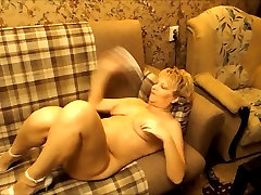 Sexy Russian bhai bahan birthday gift mom masturbate on sofa