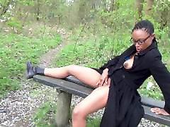 Ebony dekle Michelles javnih utripa in črn srček na prostem