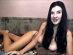 liels laba tits brunete
