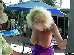 Бабульки i bucmaste seks u troje akcija