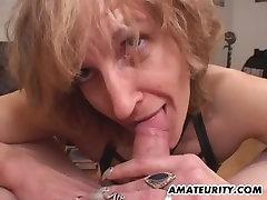 Amaterski 19 xooo daje blowjob z cumshot v usta
