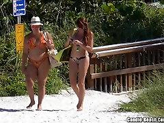 सेक्सी बिकनी लड़कियों के समुद्र तट दृश्यरतिक वीडियो HD