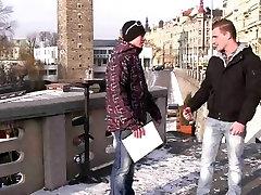 He lures street promoter into di ruma sakit game