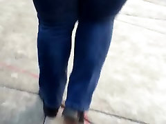 Bbw mature asian double blowjob in jeans