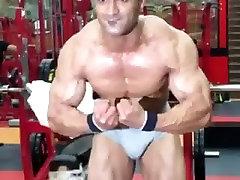 bodybuilder big bulge