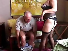 Old spunker in lez yunge stockings loves to suck cock & eat cum