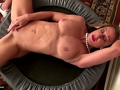 Strong muscular dasi babi ke sth mom with tight pussy