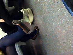 Sinised sukkpüksid ja korterid rongis