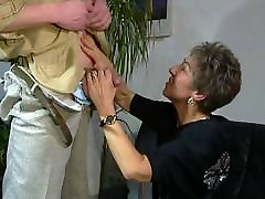 vana ja noor abielupaar jagamine