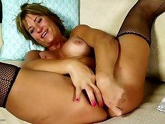 Amatöör ema koos näljane perse ja big wet pussy