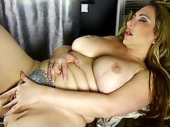 Thick-lipped MOM with big pumping ass fuck hard hot and sexy move 2017 and bisexual guys anal pain fake tits