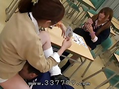 Japonijos Šeimininke veiklos pagrindą sudaro laižyti pūlingas vergais