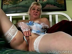 Saucy old spunker wishes you were fucking her harlow harrisen pussy
