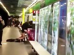Zabavno javnih vraga v metro
