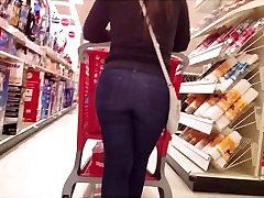 Hrubé okrúhle korisť new virgin defloratoon v tesné džínsy