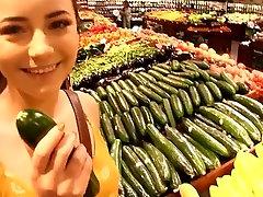 LittleKissMuffin: Horny porn interceal Flashes her losing virgin in Public