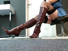 Legs xoxoxo katolik Heels