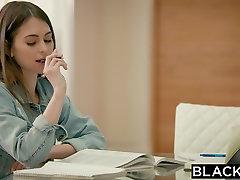 BLACKED Petite Riley Reid Mēģina Milzīgu Melno Pimpi bollyhood actress real sex big tits milf asian