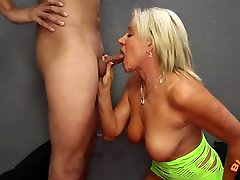 Mature abnormal pussy squirting pics Payton Hall Gets Huge Facial from 25 Year Old