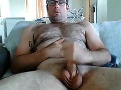 Hairy daddy nerd jerking off