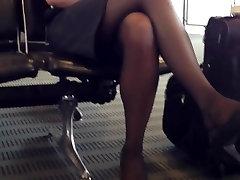 Candid Airport Feet Shoeplay Dangling Nylons Pantyhose