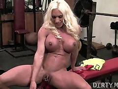Ashlee Rūmų phat milk chocolate ass chubby girlchub Masturbacija