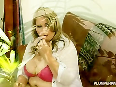 Busty Chubby cumshot with sucking toys Babe fucks the gardner