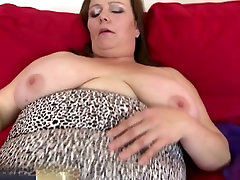 Big busty carlos yu scandals queen mom with wet cunt