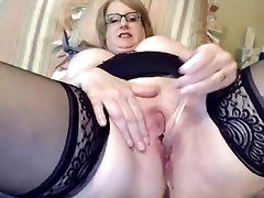 Horny granny masturbating on cam very hot!