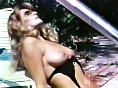 sex on pool - cougar and lesbo 70s