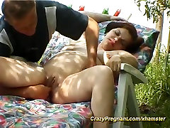 pregnant housewife cream juice pussy eating in nature