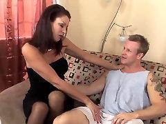 Sexy malis sex latina in stockings fucks a runner TOP MATURE