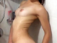 Israeli dame picha Masturbating in the shower