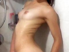 Izraēlas pusaudžu Masturbē dušā