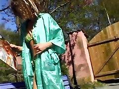 Dāņu meitene spēles dārzā - Trine