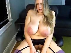 Primer - Zrelé sanilion xex sd poklesnutý veľké obrovské prírodné prsia masturbovať
